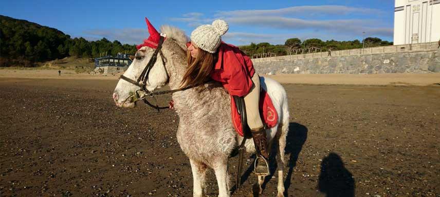 Rutas a caballo para adultos y niños